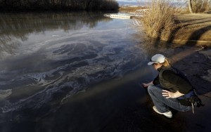 Coal ash eddies in the Dan River. Photo source: Appalachian Voices